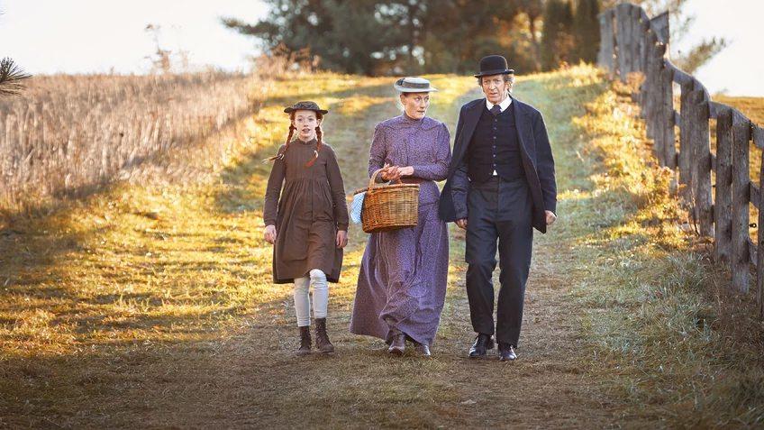 Ania, nie Anna - serial Netflix - Amybeth McNulty jako Ania Shirley, Geraldine James jako Maryla i R.H. Thomson jako Mateusz