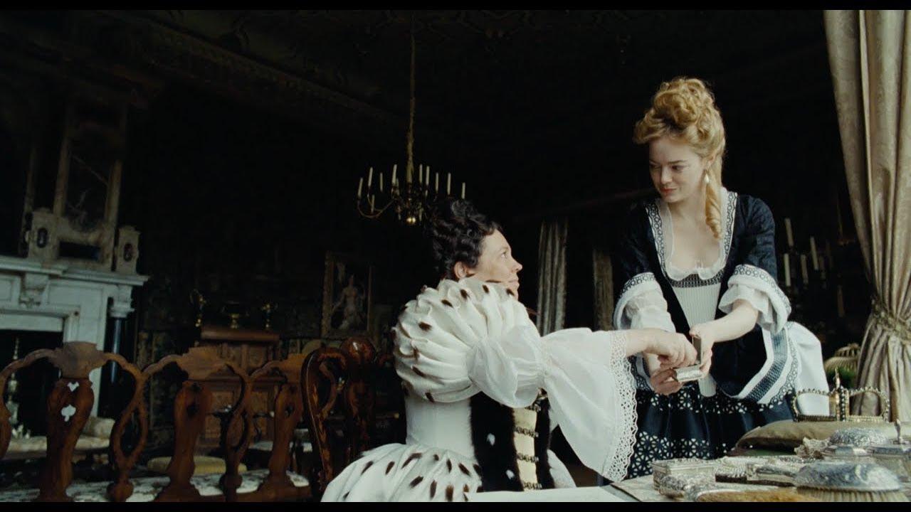 Faworyta reż. Yorgos Lanthimos; Olivia Coleman jako Anna i Emma Stone jako Abigail