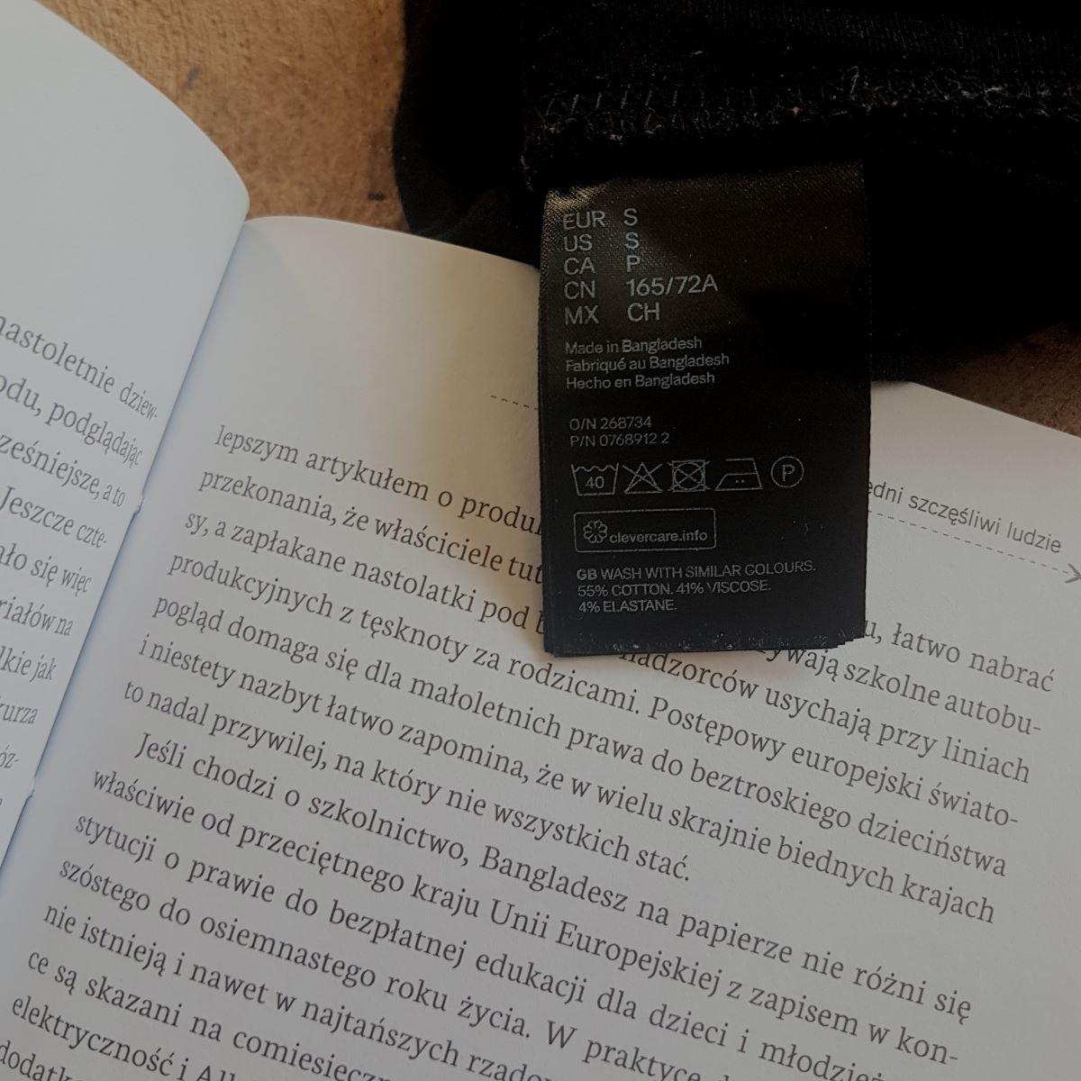 """Marek Rabij """"Życie na miarę. Odzieżowe niewolnictwo"""" Wydawnictwo W.A.B."""
